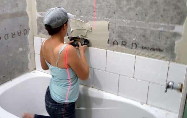 Плитка укладка своими руками на стену
