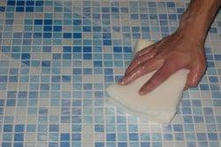 Мытье кафеля