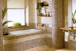 Ванная облицованная мозаикой