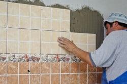 Облицовка кухонной стенки кафелем