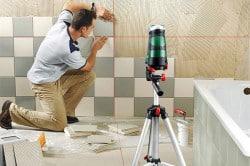 Укладка кафеля на стены ванной комнаты