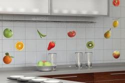 Плитка отлично подойдет для создания фартука на кухне.