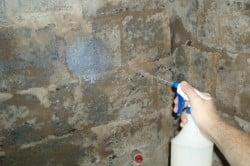 Грунтовка стен распылением