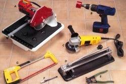 Фотография 1. Инструменты для резки плитки