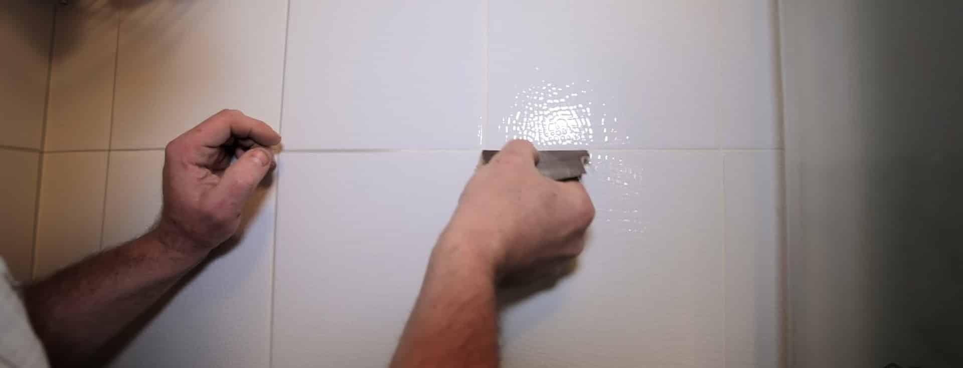 Как очистить швы между плиткой в ванной в домашних условиях? 52