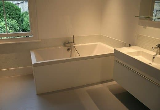 Дизайн пола в ванной