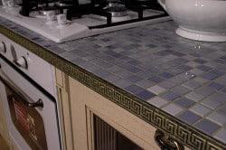 Укладка плитки на столешницу
