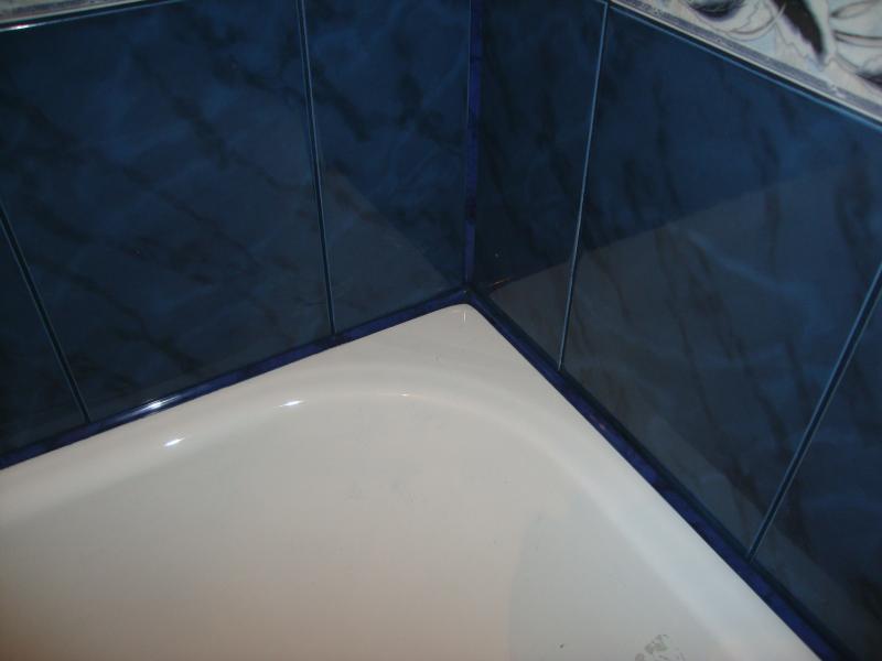 Примыкание ванны к кафельной плитке