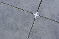 Крестики при кладке плитки
